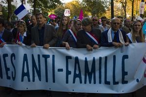 Paris, le 16 octobre 2016, la Manif pour tous débute Porte Dauphine.