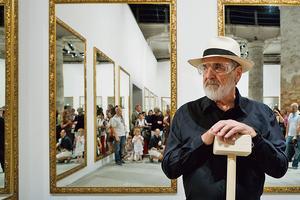 Le patriarche de l'arte povera, Michelangelo Pistoletto, investit les lieux si parisiens de la galerie VNH (IIIe).