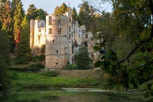 La silhouette médiévale du château de Beaufort.