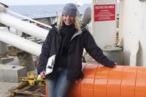 Flore Samaran est spécialiste d'acoustique sous-marine, en particulier des vocalises de baleines.