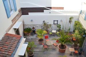Le point fort de l'hôtel Maison Richet réside dans l'aménagement de son patio.