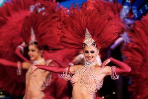 Au Moulin Rouge, <i>Féérie </i>avec les Doris Girls.
