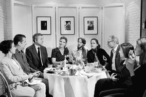 De gauche à droite: Laurence Debray, Benoît Sapiro, Cyrille Cohen, Angèle Ferreux-Maeght, Nicolas d'Estienne d'Orves, Colombe Schneck, Émile Servan-Schreiber, Naïla de Monbrison et Iris de Turckheim.