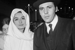Pierre Barouh avec son épouse de l'époque, l'actrice Anouk Aimée, en 1966.