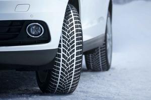 Il existe des pneus hiver dédiés aux SUV, comme le Goodyear UltraGrip Performance.