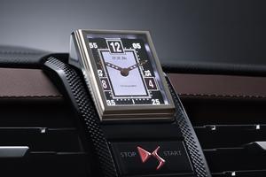 La montre BRM P180 pivote sur elle-même au démarrage du véhicule.