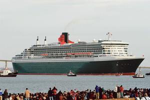 Le «Queen Mary 2» lors de sa sortie de Saint-Nazaire en 2003, il reviendra le 24 juin.