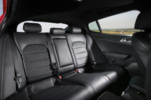 Les places arrière sont spacieuses.