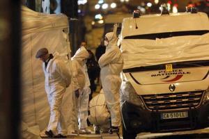 La police sur les lieux de l'attaque des Champs-Élysées , d'avril 2017