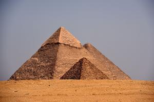 Les trois pyramides les plus connues du plateau de Guizeh