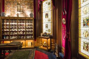 L'hôtel Salomon-de-Rothschild (VIIIe) ouvreunepièce consacrée auxcollections d'objets d'art du baron.