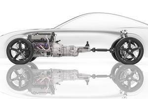 Un V8 central avant.