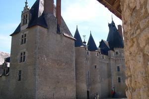 Le château de Fougères-sur-Bièvre (Léonard de Serres)