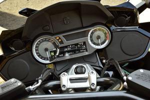 Une instrumentation à compléter par le GPS proposé en option à 829 €.