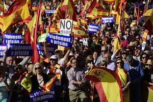 Des manifestants unionistesse sont réunis à Madrid.