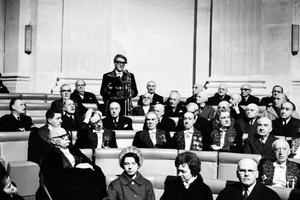 Joseph Kessel prononce son discours de réception à l'Académie française le 6 février 1964.