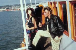 Dans «La Gamine» de Hervé Palud, Johnny Hallyday venge la fille de son ami, Maïwenn.