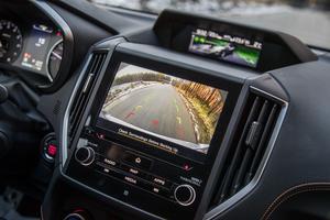 Navigation sur écran tactile de 8 pouces.