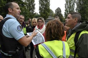 Des habitants de Ponts-de-Beauvoisin participent à une battue en septembre dernier pour tenter de retrouver Maëlys.
