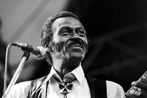 Chuck Berry, guitariste et chanteur, père du rock and roll, en 1982.
