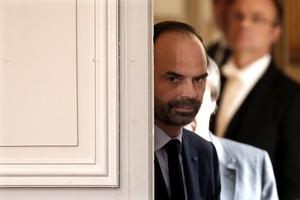 Le Premier ministre renonce, au nom de la France, au projet.
