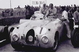 Pierre Veyron et Jean-Pierre Wimille au Mans 1939.