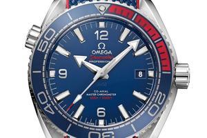 Omega propose des éditions spéciales comme, cette année, ces trois Seamaster dotées d'un calibre automatique Master Chronometer: une Planet Ocean Pyeongchang 2018 (2018 exemplaires, 6400€).