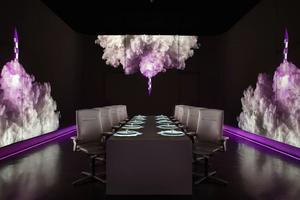 L'Ultraviolet à Shanghaï, 3 étoiles, 10 couverts, menu multisensoriel, décor futuriste.