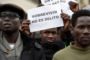 «Survivre n'est pas un délit», est-il écrit sur cette affiche.