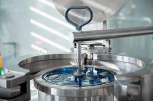 À Neuchâtel, les équipes Recherche et Développement de Panerai poussent des idées qui nécessitent un équipement à la pointe de l'ingénierie.