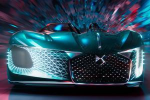 Conçu comme un side-car, le concept DS est asymétrique.