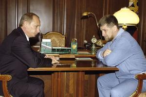 Poutine et Kadyrov fils en 2004.