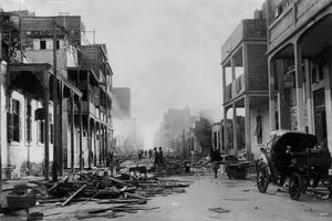 Décombres à Port Saïd après les affrontements en novembre 1956.