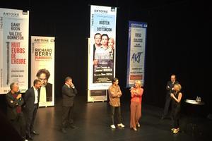 Les acteurs de «Pourvu qu'il soit heureux» ont présenté leur pièce.