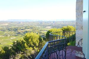 L'impressionnant balcon de la suite Matisse.