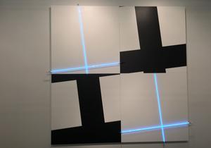 Oeuvre de Francois Morellet sur le stand de la galerie Kamel Mennour. Photo: BdeR / Le Figaro