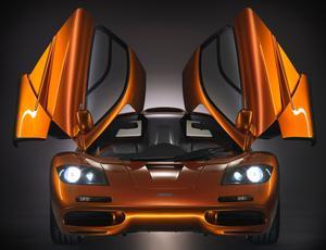 La ligne compacte de la McLaren F1 est l'œuvre de Peter Stevens.