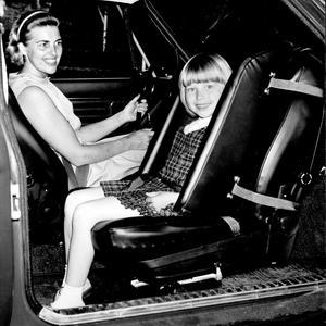 Le siège auto dos à la route proposé en 1972.