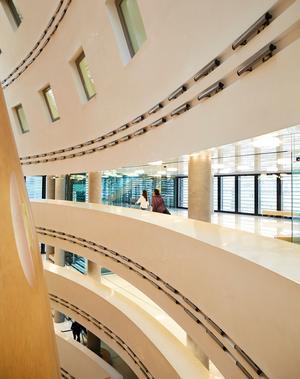Les armateurs dotent Athènes d'outils culturels de pointe tel le centre culturel de la fondation Onassis, Stegi, ouvert en 2010.