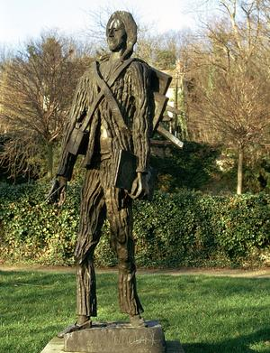 Statue de Van Gogh de Zadkine à Auvers-sur-Oise.