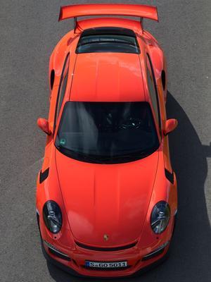 La 911 GT3 RS repose sur une caisse de Turbo élargie.