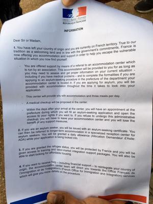 Une notice d'information a été remise aux migrants.