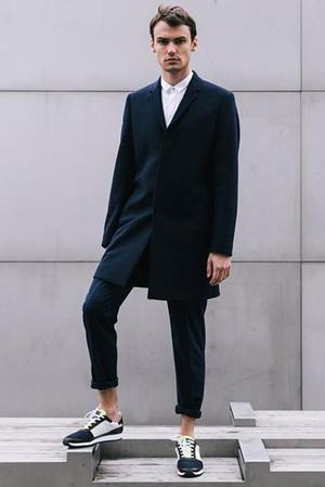 Les baskets Piola apporte une juste dose d'audace stylistique à une tenue, tout en restant suffisamment habillées pour aller au bureau. Ci-dessus, le modèle Callao, 190 &#8364;. En vente sur <a href=