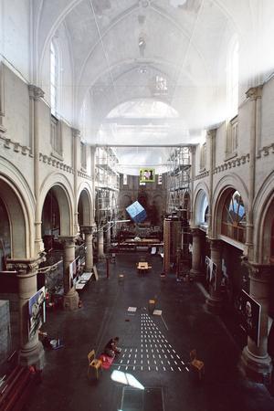 L'église Saint-Louis, à Tourcoing, a été rachetée, en 2011, par Silvany Hoarau, compagnon couvreur, qui en a fait son atelier, son logement et, surtout, un nouveau modèle d'entreprise sociale et solidaire, au service du patrimoine.