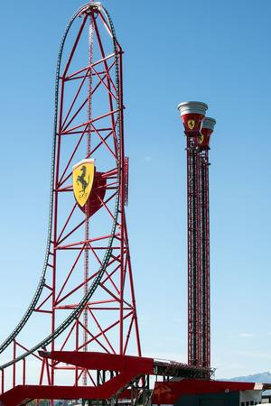 L'Accélérateur Vertical. (Ferrari Land press)