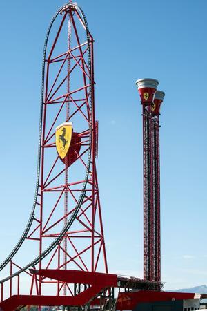 L'Accélérateur Vertical. (Ferrari Land press)