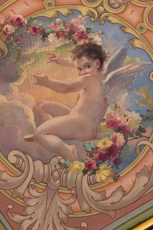 Un ange à la harpe. Toile de Saint Léon. Crédits photo: Noël Le Riche