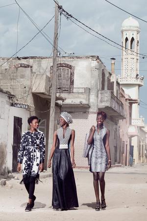 Dans les rues de Saint-Louis, les créations «afropolitaines» de Rama Diaw perpétuent la tradition d'élégance féminine de cet ancien comptoir colonial.