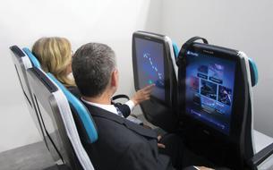 Avion: de grands écrans personnalisés en classe économique
