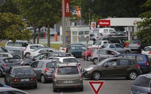Carburant: Manuel Valls «très déterminé» à ce qu'il n'y ait aucune pénurie